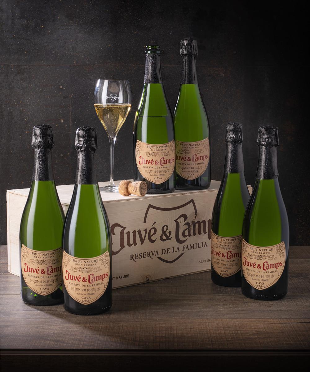 cava reserva de la familia juvé & camps caja icónica 6 botellas